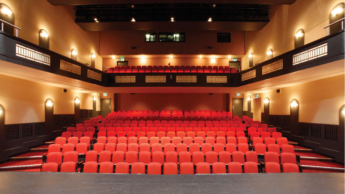 Town Hall Theatre, Interior